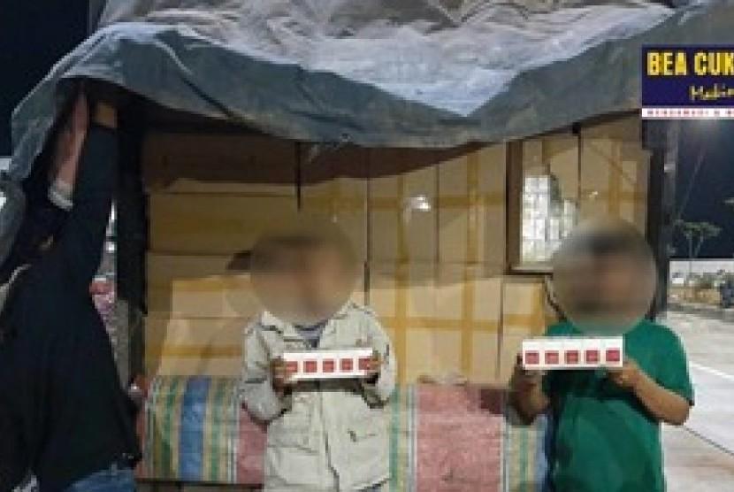 Bea Cukai Jateng amankan truk berisi ribuan rokok ilegal. Foto Bea Cukai kembali laksanakan Operasi Gempur Rokok Ilegal, (ilustrasi)..