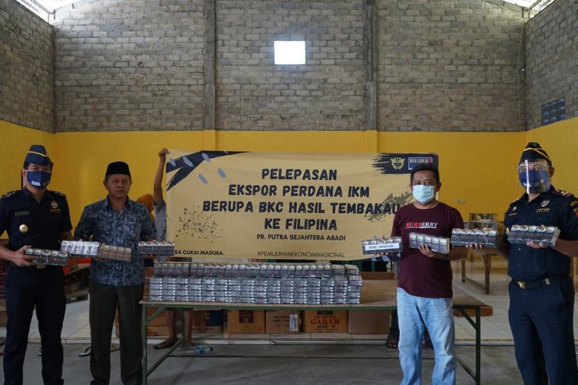 Bea Cukai Madura bergerak nyata mendorong geliat IKM di Madura melalui ekspor hasil tembakau berupa rokok ke Filipina.