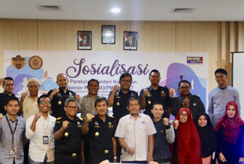 Bea Cukai Makassar mengenalkan Electronic Customs Declaration (e-CD).