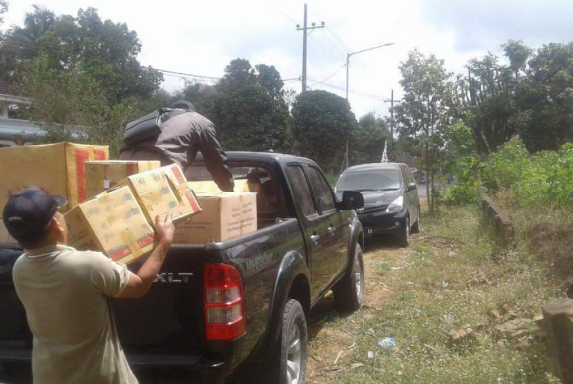 Bea Cukai Malang amankan 225.500 batang rokok ilegal.
