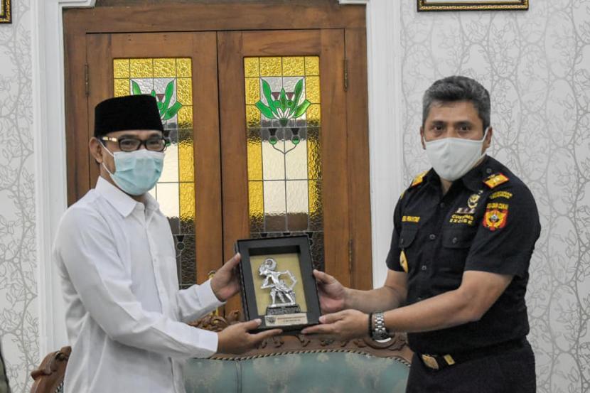 Bea Cukai Malang bersinergi dengan Pemkab Temanggung akan mengembangkan industri hasil tembakau.
