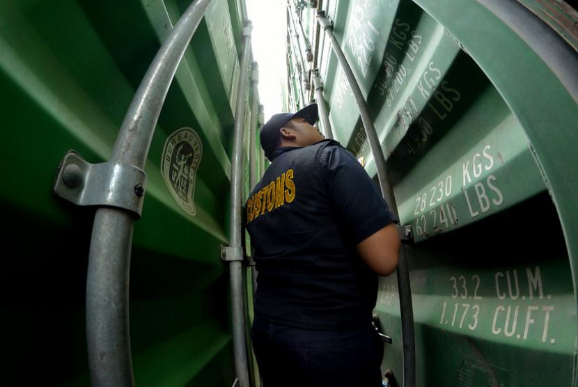 Bea Cukai Palembang mengawasi ekspor santan beku ke China dan Hongkong