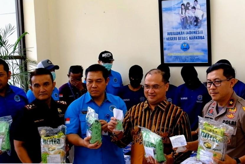 Bea Cukai Pangkalpinang bekerja sama dengan Badan Narkotika Nasional Provinsi (BNNP) Bangka Belitung menggagalkan upaya penyelundupan narkoba di Pangkalpinang.