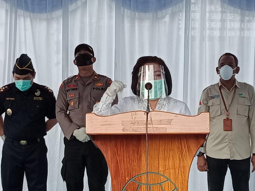 Kepala Kantor Bea Cukai Ambon, Saut Mulia, menghadiri Deklarasi Pelabuhan Bermasker di Pelabuhan Yos Sudarso Ambon, pada Kamis (17/9).