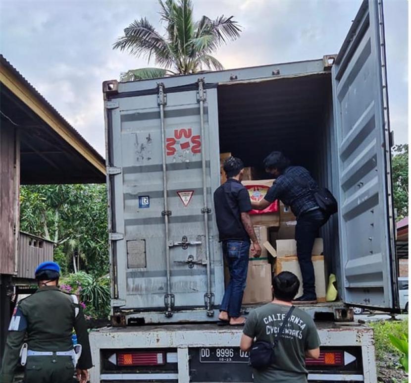 Bea Cukai Sulawesi Bagian Selatan  (Sulbagsel) dalam operasi Gempur Rokok Ilegal berhasil mengagalkan upaya pengedaran rokok ilegal yang akan dijual di pasaran.