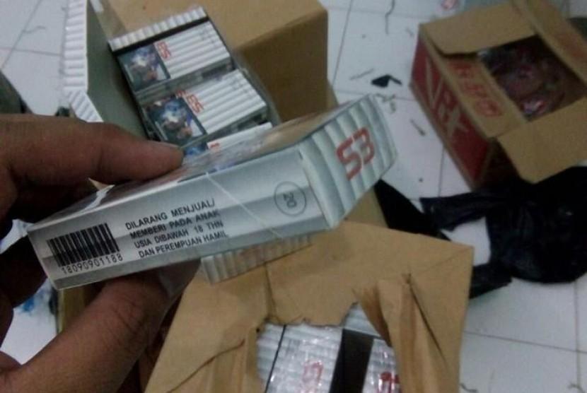 Bea Cukai Tegal amankan ratusan ribu batang rokok ilegal.
