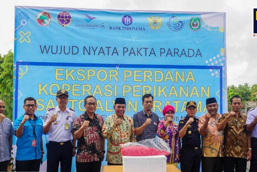 Bea Cukai Ternate mendukung ekspor perdana ikan tuna.