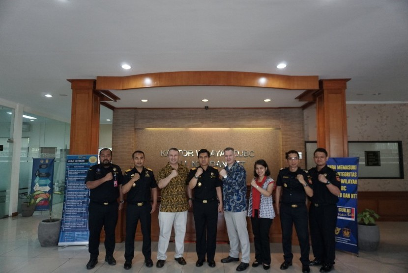 Bea Cukai Wilayah Bali Nusa Tenggara menerima kunjungan United States Immigration and Customs Enforcement (US ICE) dan United States Homeland Security Investigation (HSI) pada Selasa (10/9).