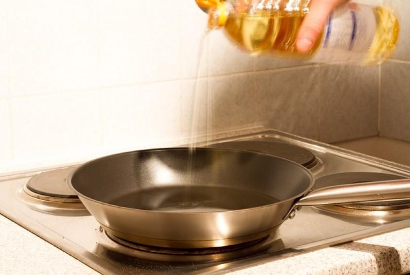 Beberapa jenis minyak nabati diketahui mengandung bahan kimia yang disebut alheida. Selama ini, bahan kimia tersebut sering dikaitkan sebagai salah satu penyebab penyakit kanker hingga Alzheimer.