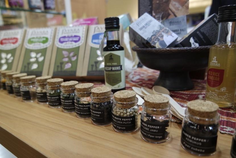Beberapa produk makanan dan minuman (mamin) Indonesia yang  ditampilkan dalam pameran produk mamin terbesar di dunia, Salon  International d'Alimentation (SIAL) di Paris, Prancis pada 21-25 Oktober.  Dokumentasi Biro Humas Kementerian Perdagangan
