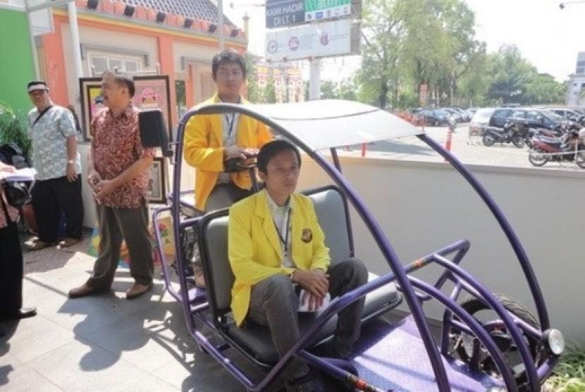 Becak Spesial karya mahasiswa Pendidikan Teknik Mesin, Universitas Negeri Semarang (UNNES).
