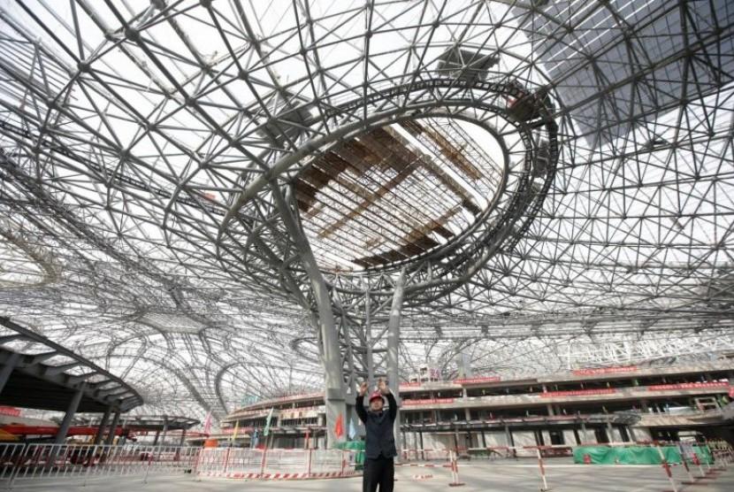 Beijing pada Senin (16/10) mengumumkan bandar udara baru bernilai 80 miliar yuan (lebih dari Rp 121 triliun) dibuka pada Oktober 2019 di tengah pembangunan gencar prasarana oleh Presiden Cina Xi Jinping.