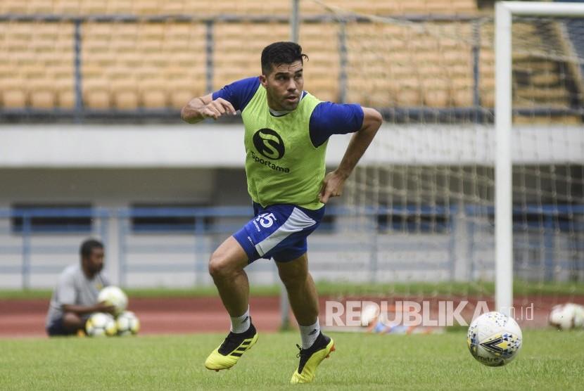 Bek Persib Bandung Fabiano Beltrame.