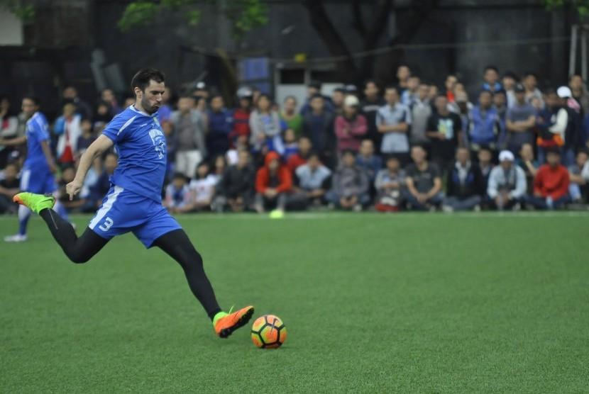 Bek tangguh Persib Bandung Vladimir Vujovic.