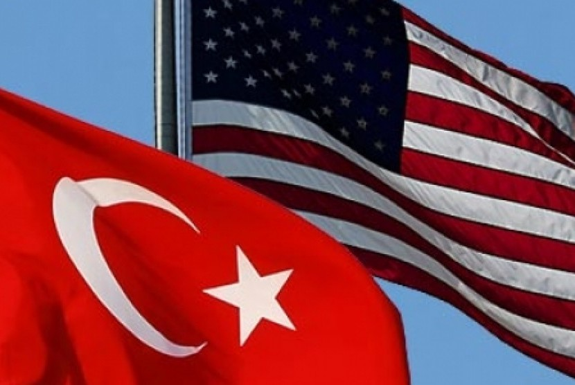 Bendera Amerika Serikat (AS) dan Turki.