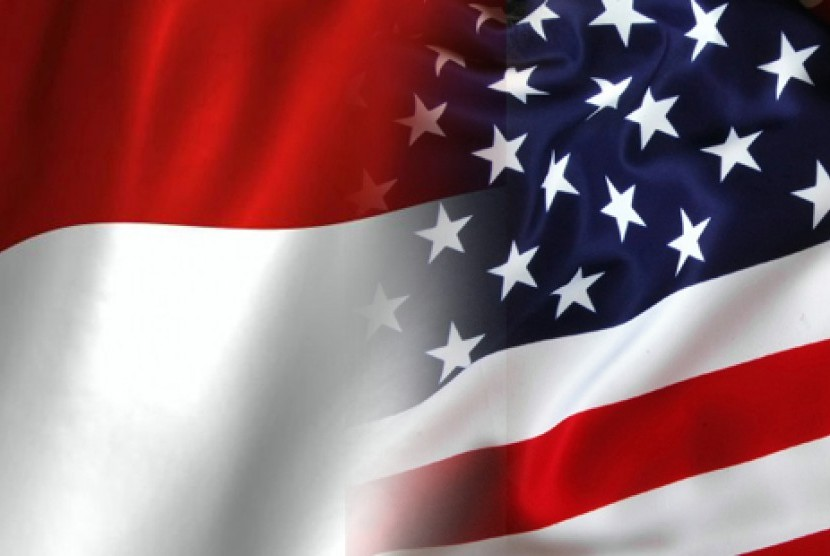 Indonesian and United States' flags.