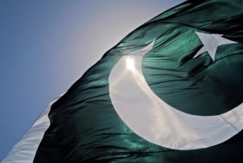 Pakistan menanam tanaman-tanaman Alquran di hutan kota Karachi. Bendera Pakistan