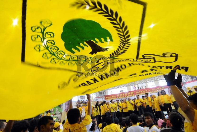 Bendera Partai Golkar.