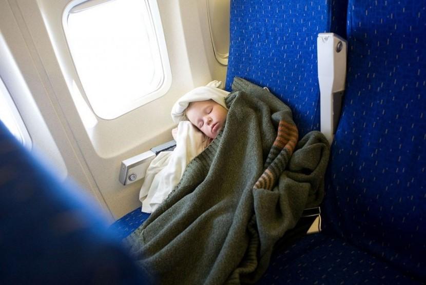 Berada di dalam pesawat. Ilustrasi
