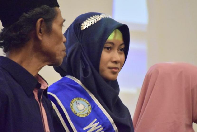Bilqis Badriatul Ummah siswi penyabet tiga penghargaan di SMK Daarut Tauhid Boarding School (DTBS).