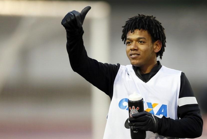 Bintang Al Jazira, Romarinho. Pemain Brasil ini merupakan anggota skuat Corinthians saat klub itu memenangi Piala Dunia Antarklub pada 2012.