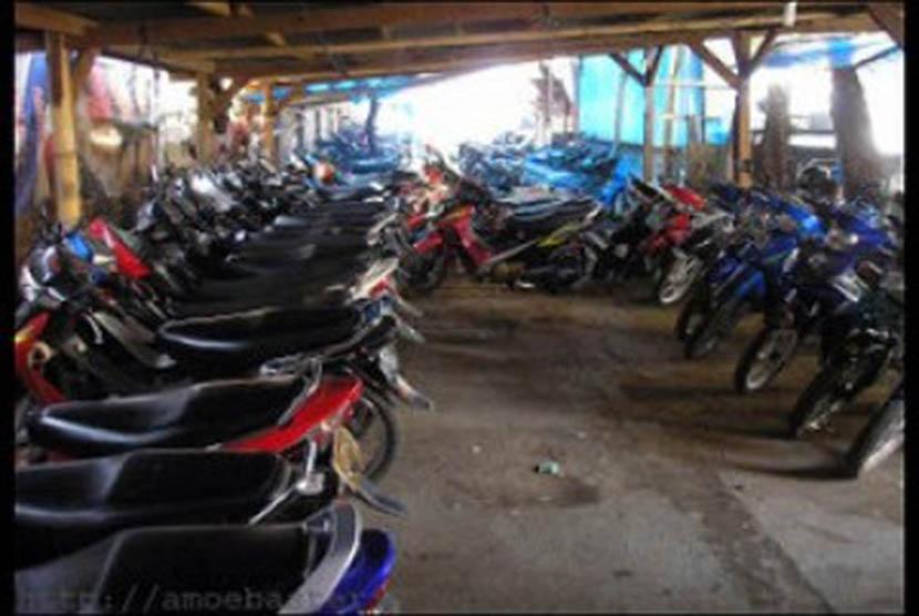 Bisnis tempat penitipan motor. (ilustrasi)