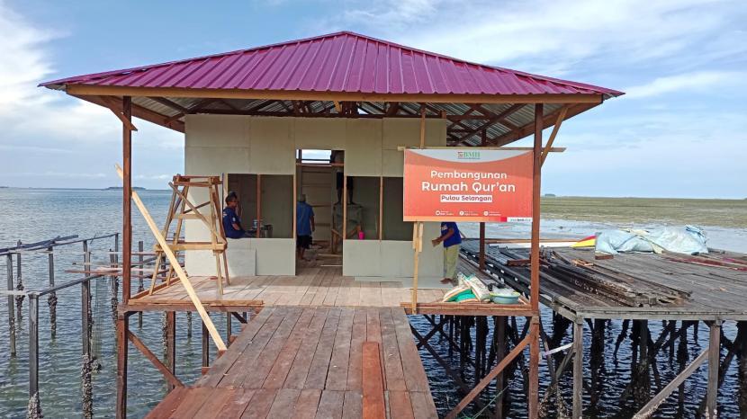 BMH membangun Rumah Quran di Kampung Atas Air Selangan, Pesisir, Kota Bontang, Kalimantan Timur..
