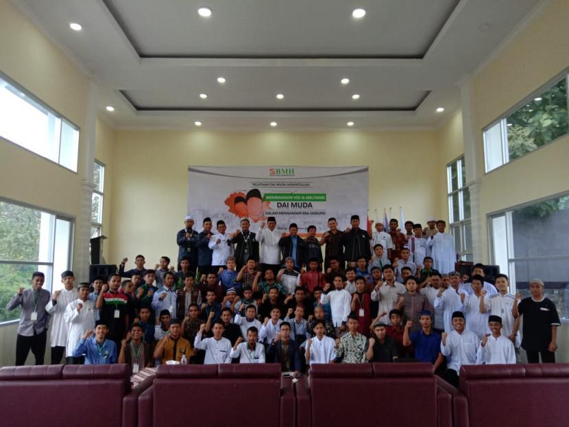 BMH Perwakilan Jawa Timur menggelar pelatihan dai muda yang berada di Surabaya dan Maddura (Suramadu), 23-24 Oktober 2021.
