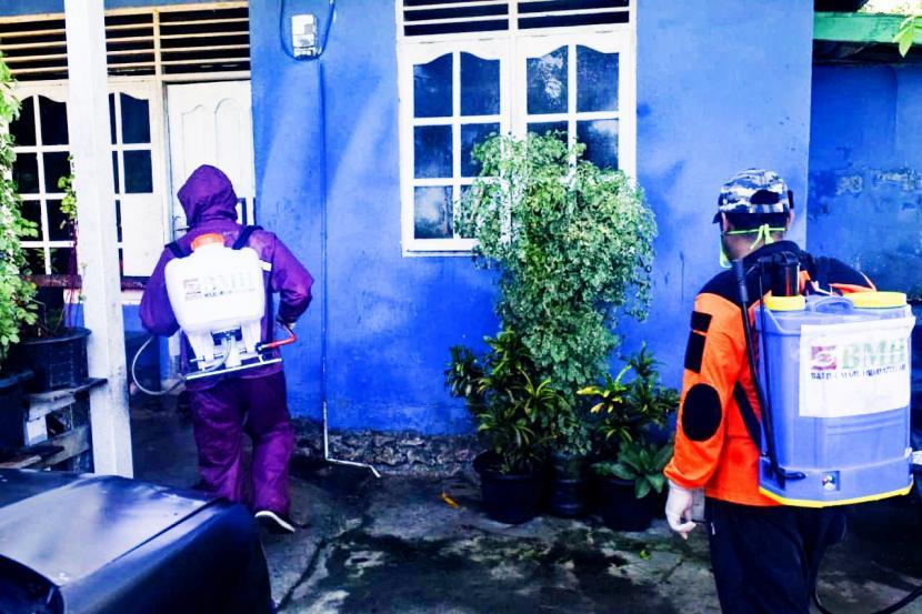 Cegah Covid-19, BMH Papua Buka Layanan Semprot Disinfektan