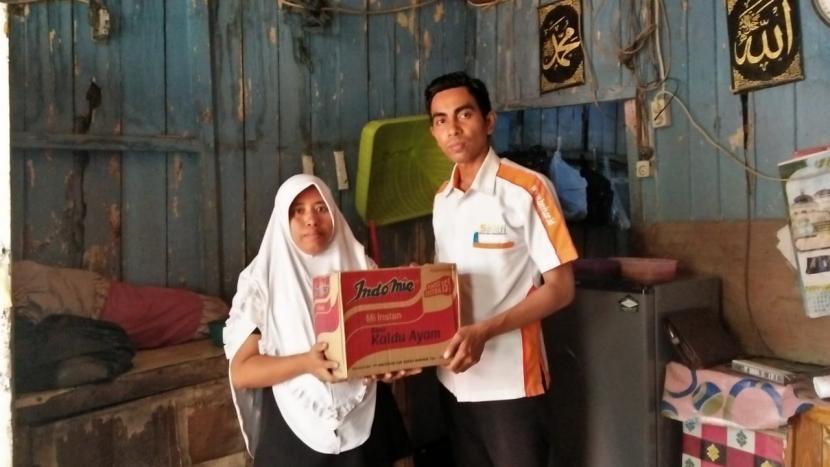 Bmh Santuni Janda Dhuafa Terdampak Banjir Di Medan Republika Online