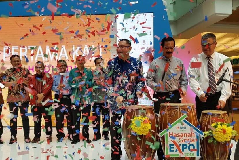 BNI Syariah menggelar pameran perumahan Hasanah Griya Expo di Grand City Mall Surabaya ini akan berlangsung hingga 31 Juli 2018.
