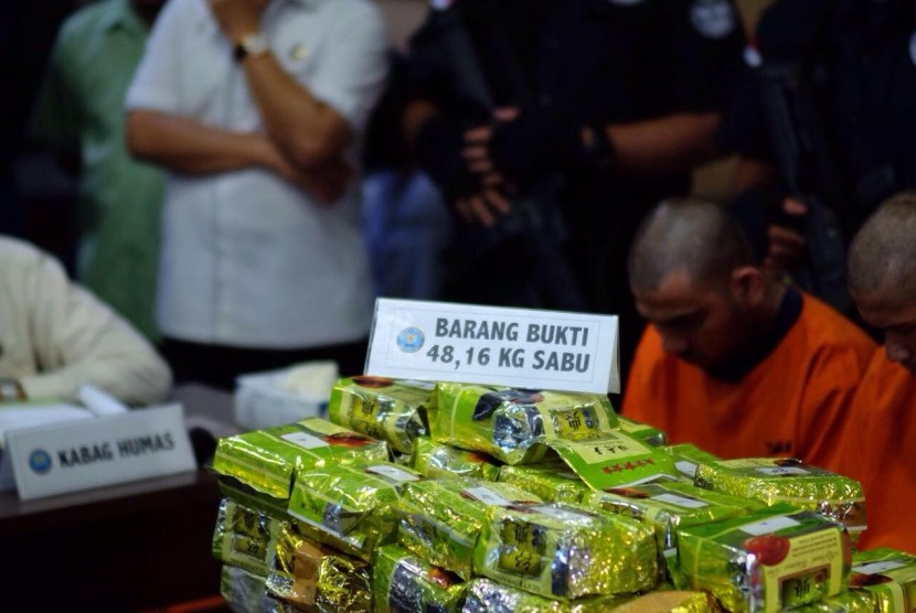 BNN and Customs raided illicit drugs smuggling from China in Medan, North Sumatra.