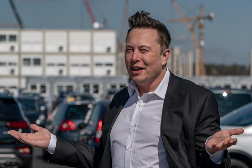 Bos Tesla Elon Musk. Nilai pasar saham Tesla Inc melampaui satu triliun dolar AS pada perdagangan Senin (25/10).