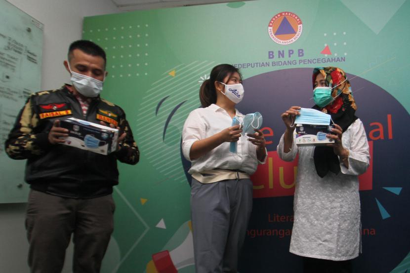 Aice Group dan GP Ansor serahkan Donasi Masker | Republika Online