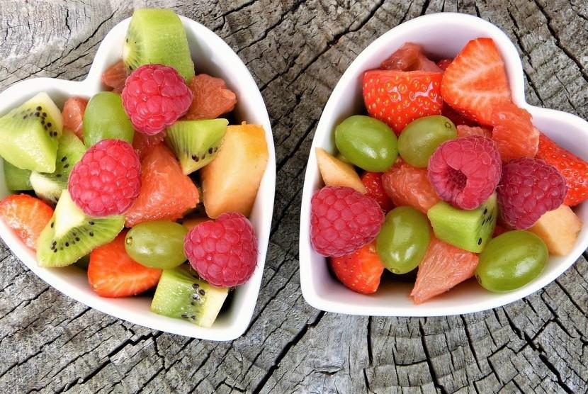 Buah-buahan manis dianjurkan sebagao pembuka puasa.