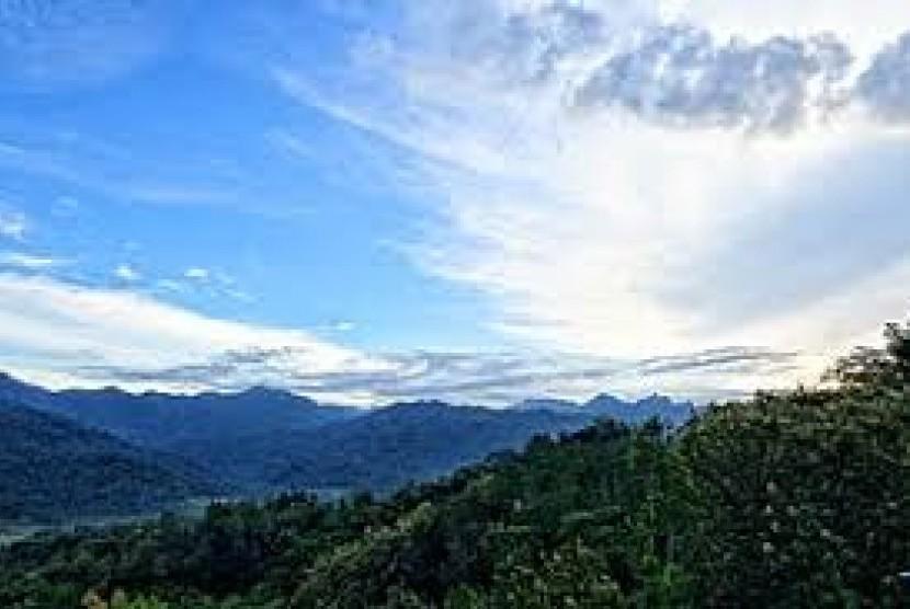 Bukit Menoreh.