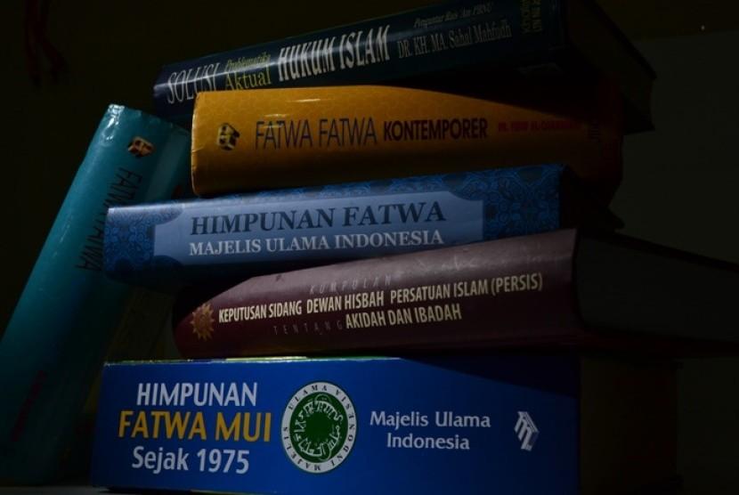 Buku-buku fatwa (ilustrasi).