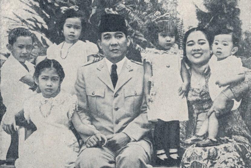 Bung Karno dan keluarga
