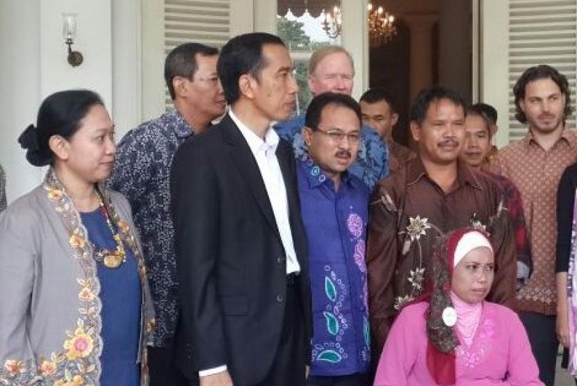 Bupati Banjar Sultan H Khairul Saleh (tengah) bersama Presiden terpilih Joko Widodo.
