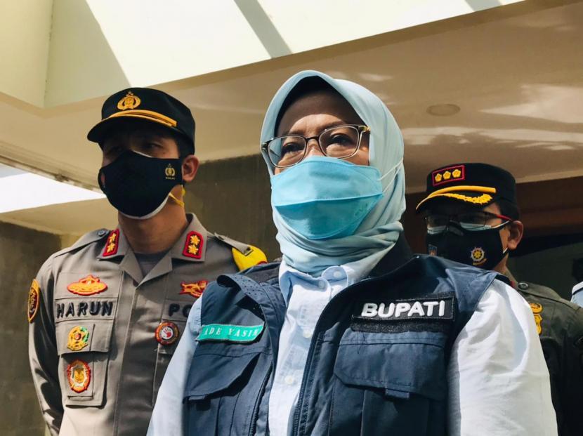 Bupati Bogor Dorong Pelonggaran Sektor Usaha Kecil Saat PPKM. Bupati Bogor, Ade Munawaroh Yasin.
