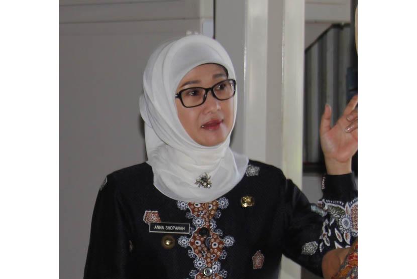 Bupati Indramayu Anna Shopanah