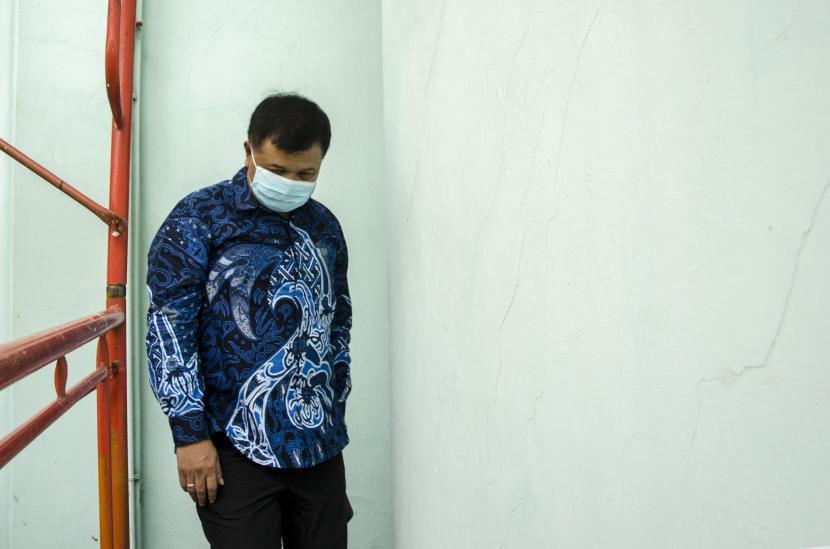 Bupati Kabupaten Bandung Barat Aa Umbara saat dimintai keterangan penyidik KPK.