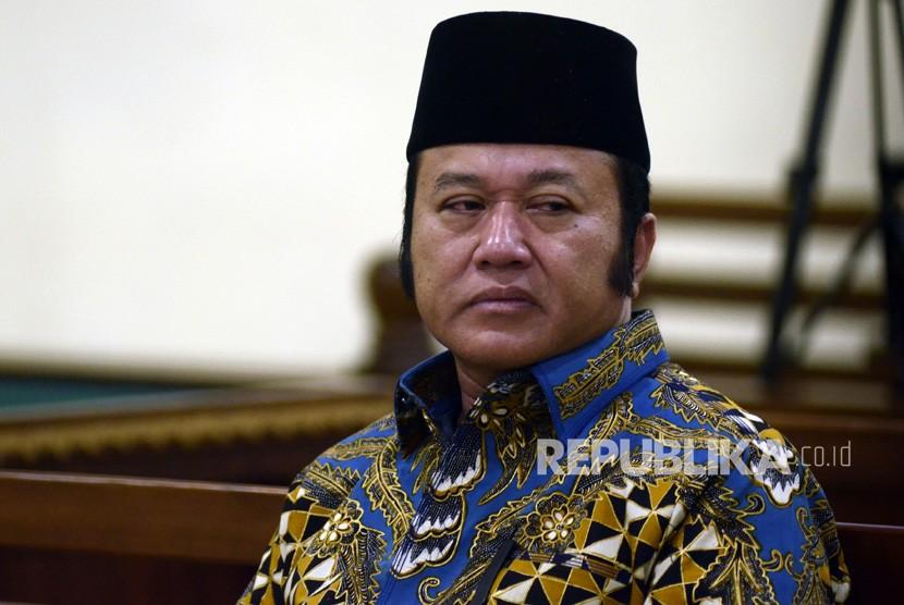 Bupati Lampung Selatan noaktif Zainudin Hasan menjalani sidang dengan agenda pembacaan tuntutan di Pengadilan Tipikor Bandar Lampung, Lampung, Senin (1/4/2019).