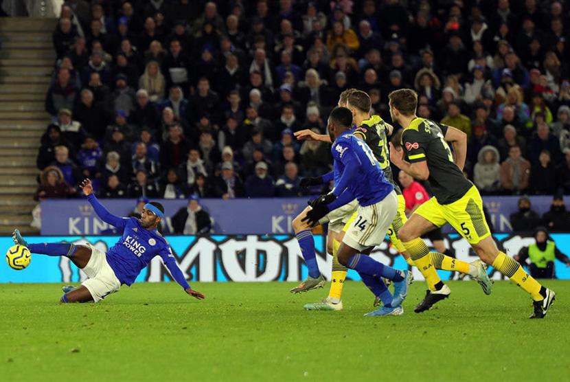 Dikalahkan Burnley 2-1, Leicester Gagal Tempel City