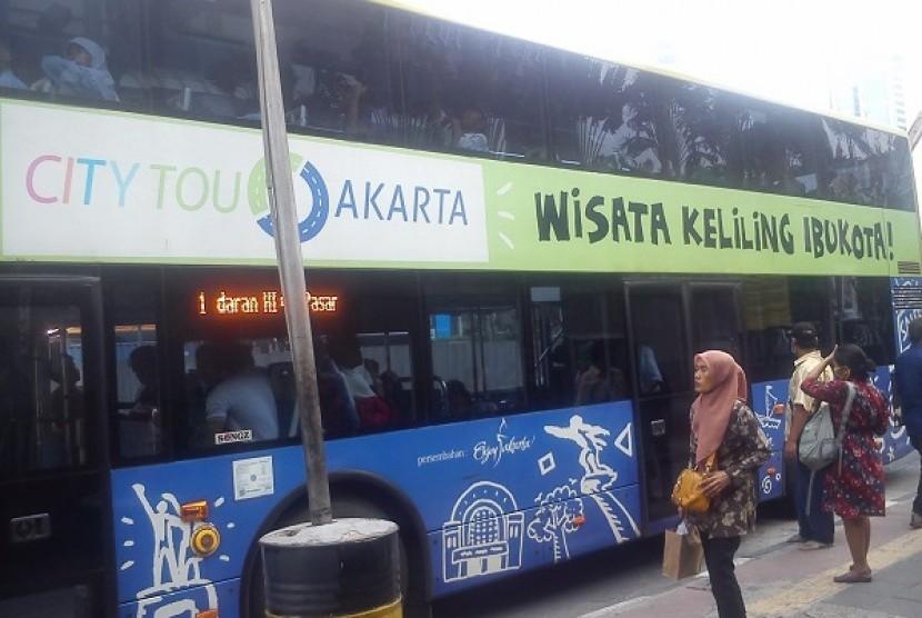 Bus Mpok Siti atau City Tour Bus