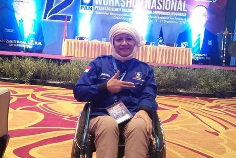 Calon Legislatif DPR-RI partai PAN Dapil Jawa Timur Pasuruan-Probolinggo Osmiyati Arfarindra Nurifa