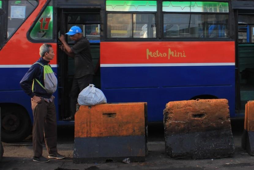 Angkutan umum (ilustrasi)