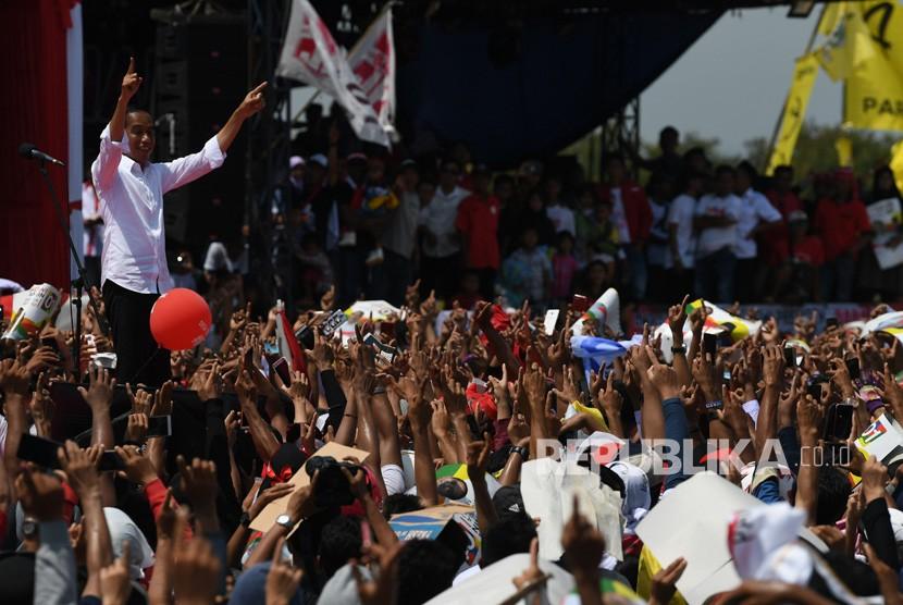 Joko Widodo met his supporters in Cirebon regency, West Java