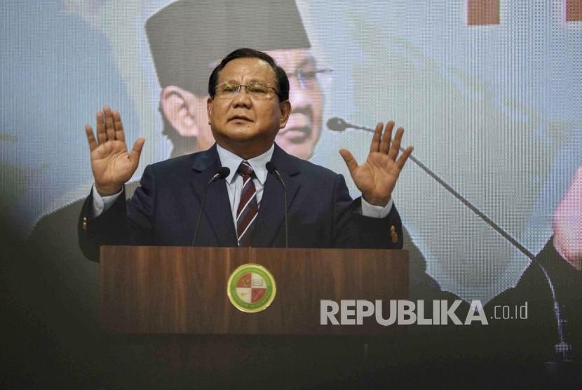 Calon Presiden nomor urut 02 Prabowo Subianto memberikan Pidato Kebangsaan di Kampus Universitas Kebangsaan Republik Indonesia, Kota Bandung, Jumat (8/3).