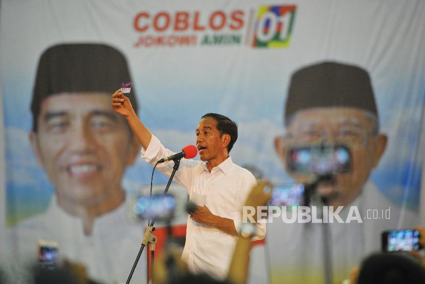 Calon presiden nomor urut satu Joko Widodo melakukan kampanye di Palembang, Sumatera Selatan